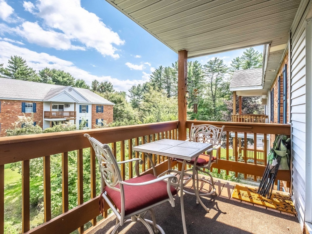 1, 2, and 3 bedroom apartments Concord NH - private balcony