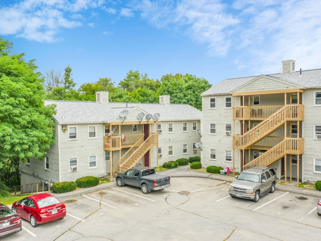 2-bedroom apartment Gonic, New Hampshire