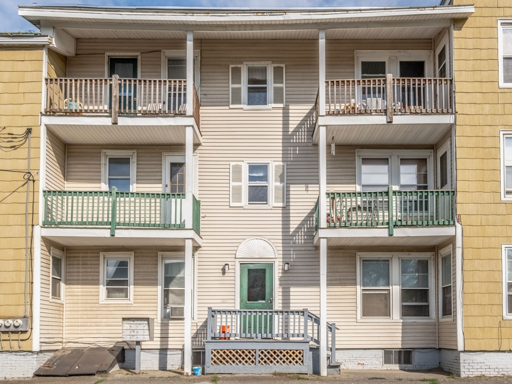 one and two bedroom apartments Winslow ME
