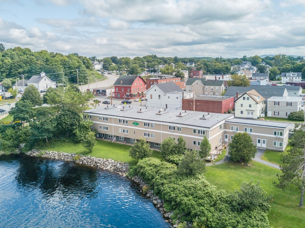 1-bedroom apartments for rent Brewer, Maine with river view