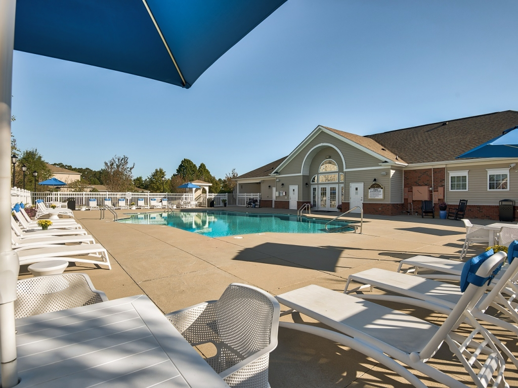 Luxury 1, 2, and 3 Bedroom Apartments Goldsboro, NC with pool