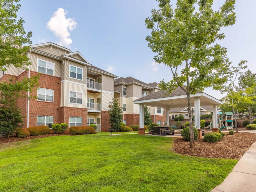 1, 2, and 3 bedroom apartments for rent in Morganton, NC